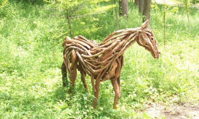 Mane Attraction: Impressively Ingenious Equine Art Creations