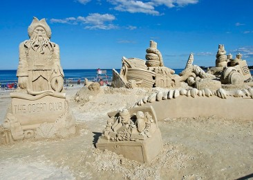 The Fleeting yet Awesome Beauty of Sand Sculpture