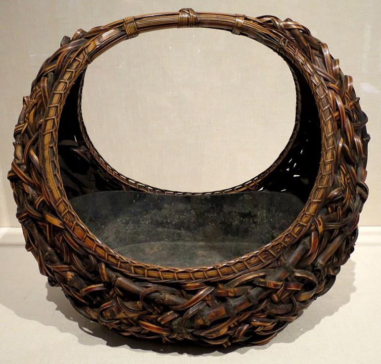 HANAKAGO: THE ART AND HISTORY OF STUNNING JAPANESE BAMBOO WOVEN BASKETS