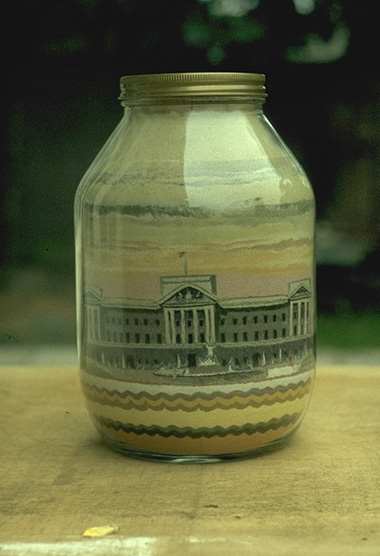 Buckingham Palace sand bottle