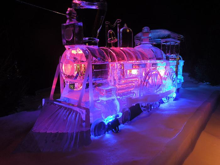 Creating Exquisite Masterpieces Through Ice Sculpture