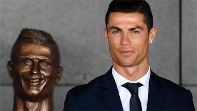 Cristiano Ronaldo Sculpture