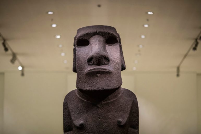 Easter Island Mayor Says Moai Sculpture is Best Left in Britain