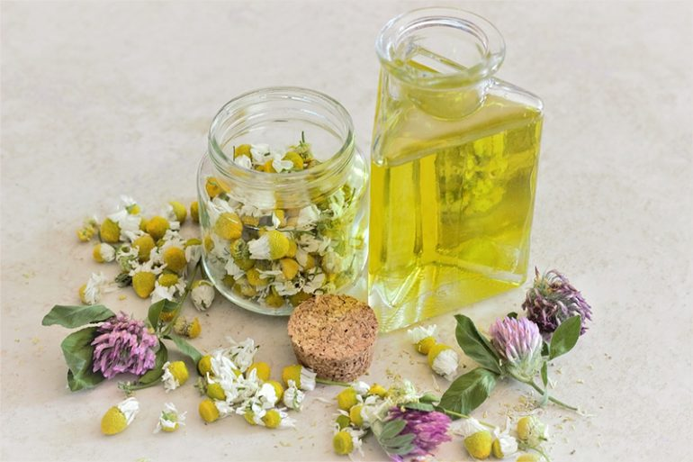 The Art of Aromatherapy and Its Health Benefits