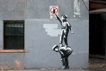 THE RISE OF STREET ART POPULARITY THROUGH THE ANONYMITY OF BANKSY