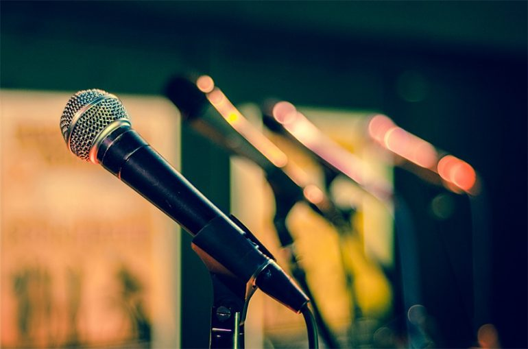 Neuroscience of Stage Fright – How Performers Can Overcome It?