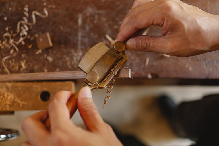 Wood Carving: The Art that Heals